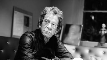 Lou Reed er død, 71 år gammel. Medstifter af det legendariske rockorkester The Velvet Underground, som han forlod i 1970 for to år senere at lancere en af rockhistoriens vigtigste og mest stildannende solokarrierer