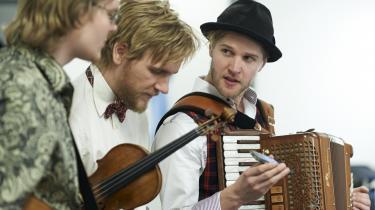 Ale Carr (t.v.), Rune Tonsgaard Sørensen og Nikolaj Busk (t.h.) udgør Dreamers' Circus.