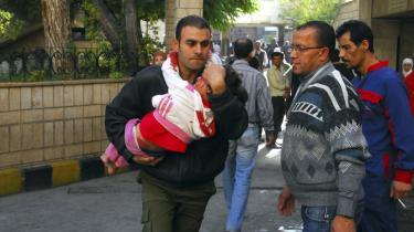 Syriens nyheds-bureau SANA udsendte i går dette billede med teksten: 'En bombe sprængtes i går på el-Hejaz-banegården i Damaskus'. Banegården har faktisk været lukket i årevis, og der har ikke været bekræftede telegrammer fra udenlandske kilder om de af SANA hævdede otte dræbte. Foto: SANA