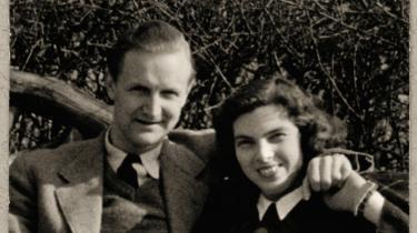 Knud W. Jensen og Benedicte Hergel, mens alt endnu var fryd og gammen.   Foto fra bogen/Gyldendal