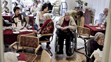 I de kommende år vil kommunerne opleve, at der kommer flere dyre ældre – de lever længere og kræver mere pleje