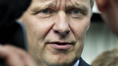 Ekstra Bladets chefredaktør, Poul Madsen, mener, at det er 'fuldstændig vanvittigt', at Pressenævnet  bl.a. vil have avisen til at bringe nævnets kendelse syv dage på ekstrabladet.dk.