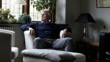 Han sidder med egne ord 'i skidt til næsetippen', men forhenværende departementschef i Skatteministeriet Peter Loft fastholder, at han på intet tidspunkt lod sig bruge af sin minister til at forsøge at tilsværte Helle Thorning-Schmidt