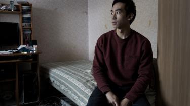 Selv om 22-årige Diep Khac er født og opvokset i Danmark, er han i lighed med en række andre unge danskere med vietnamesiske rødder havnet i et juridisk ingenmandsland, hvor han hverken kan få dansk pas eller fremmedpas.
