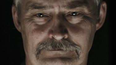Oberst Lars R. Møller er meget populær blandt forsvarets menige soldater, 'svendene og svendinderne', som han insisterer på at være fortaler for – alene på Facebook har Møller over 5.500 venner