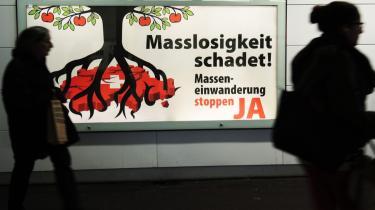 Den schweiziske befolknings beslutning om at indføre kvoter for indvandring fra EU kan få ganske store konsekvenser for det velhavende land. Schweiz har privilegeret adgang til EUs indre marked, hvor det afsætter 60 pct. af sin eksport, men adgangen er kædet sammen med en række andre aftaler, Schweiz med søndagens valgresultat er på vej ud af.