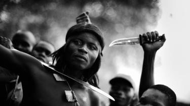 Anti-balaka-krigere på en af deres baser i udkanten af Bangui, Den Centralafrikanske Republik. Herfra går de på natlige raids igennem områder, hvor de dræber enhver muslim, de måtte støde på