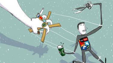 Med hensyn til reklamer er der opstået et nyt forhold mellem mennesker og virksomheder, hvor forbrugeren er en marionetdukke, der selv er med til at reklamere, men som også har saksen klar i hånden til at afbryde videre udbredelse af budskabet