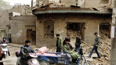 Den gamle bydel i Kashgar er næsten totalt jævnet med jorden, og 65.000 hjem er forsvundet.