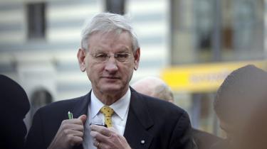 Krigeren. Den svenske udenrigsminister, Carl Bildt, er verdens bedst digitalt forbundne toppolitiker, men han ser ikke Twitter som en afløser for diplomatiet, siger han til Information.