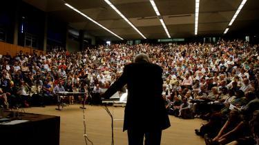 Jürgen Habermas taler her ved en kongres i Grækenland. For nylig stod han foran de tyske socialdemokrater