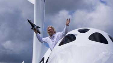 Richard Branson har luftet planer om kommercielle rumrejser, hvor enhver, der har råd til at betale 1,3 mio. kr. for billetten, kan opleve et par minutters vægtløshed i rummet.