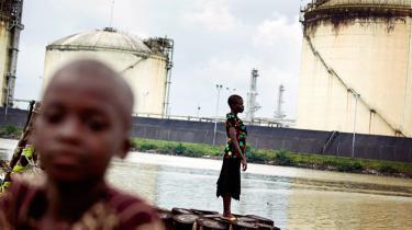 Den økonomiske udvikling i Nigeria er koncentreret i få af landets sydlige delstater, mens store dele af det nordlige Nigeria er stærkt underudviklet