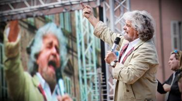 En finger er en finger. De europæiske partier og medier insisterer på at se enhver EU-kritik som et udslag af ekstremisme. Dermed bliver f.eks. den italienske klovn og politiker Beppe Grillo (billedet) vurderet efter samme alen som f.eks de græske fascister i Gyldent Daggry, siger Cas Mudde.