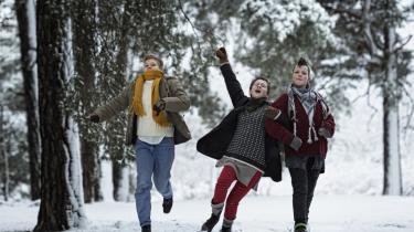 Vi er de bedste! lyder det i Moodyssons powerpunkfilm, der følger tre seje pigers oprør mod småborgerlighed og rundkredspædagogik. Blandt hans ofte ubehagelige samfundsbilleder er disse piger de mest opløftende rebeller i hans filmkarriere.