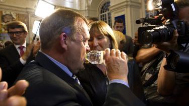 Lars Løkke Rasmussen har de seneste to uger taget flere overskrifter på grund af tøjindkøb for 152.000 kroner, rygning på hotelværelser og en familierejse på partiets regning. Det har kostet dyrt i stemmer, vurderer tidligere Venstre-ledere