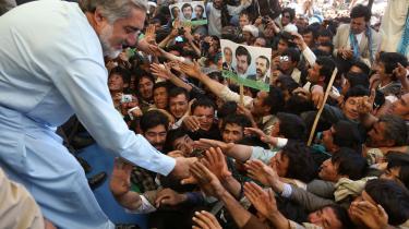 Omfattende valgsvindel, mediecensur og uskønne studehandler tegner et blakket billede af det ellers så succesfulde afghanske præsidentvalg. Anden valgrunde er i fuld gang, men synes afgjort på forhånd, efter bl.a. Karzai-klanen har valgt side