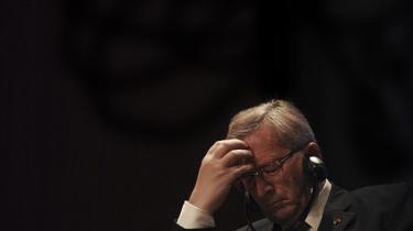 Jean-Claude Juncker, mangeårig formand for eurogruppen, spillede en afgørende rolle i udformningen af Maastricht-traktaten og var en af stabilitetspagtens bagmænd. Hans kritikere ser ham som repræsentant for et kriseramt europæisk projekt uden politisk og demokratisk legitimitet