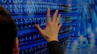 FE overtog Danmarks nationale ansvar for cyberområdet i 2012 og har siden etableret Center for Cybersikkerhed (CFCS). Det er etableret for at ruste Danmark mod cyberangreb, og det har til opgave at beskytte tilsluttede offentlige myndigheder og virksomheder mod andre nationers eller hackeres elektroniske angreb