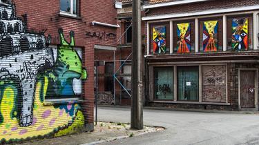 Den 400 år gamle og nu forladte belgiske landsby Doel øver magnetisk tiltrækning på nogle af verdens bedste street art-kunstnere. Doels sidste 25 indbyggere forklarer her, hvorfor de finder det værd at kæmpe for deres ekstraordinære by
