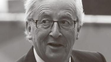 EU's topmøde i de kommende to dage kan ende med udnævnelsen af en ny stærk EU-ledelse med den kommende EU-kommissionsformand Jean-Claude Juncker, som vil føre EU i en mere føderalistisk retning. Thorning-Schmidt kan som EU-præsident blive taget med i det føderalistiske løb