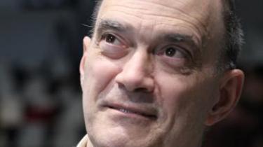 Ved en høring i det tyske parlament i går forklarede den tidligere tekniske direktør i NSA William Binney, hvordan den amerikanske efterretningstjeneste efter 11. september 2001 påbegyndte en decideret masseovervågning af både udlændinge og amerikanere