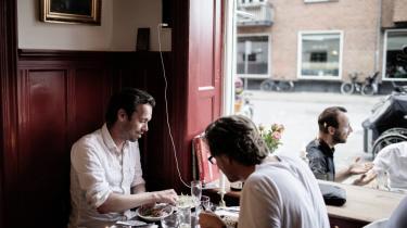 Udskiftning. Engang lå værtshuset Café Yrsa her – nu har den fransk inspirerede Je t'aime overtaget pladsen på Dybbølsgade, hvor der efterhånden er langt mellem whiskybarerne.