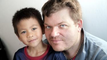 Den syvårige Fimm fik lov til at blive hos sin danske stedfar, selv om hans mor to år tidligere var rejst tilbage til Thailand. Det skete til manges overraskelse med en direkte henvisning til barnets tarv, som følger af FN's Børnekonvention.