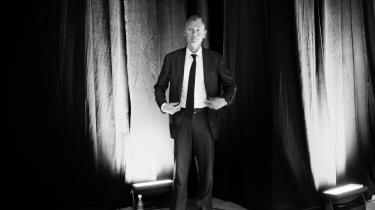 'Hvis man åbner arbejds-markedet for yngre, udenlandsk arbejdskraft er det med til at sikre det danske velfærdssamfund,' siger økonomen Philippe Legrain. Han var i går inviteret til at tale på Dansk Industris årlige topmøde i København.