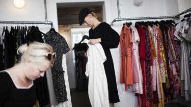 Resecond er en klimabevist butik, hvor man kan bytte kjoler. Den og mange andre aktuelle aktiviteter i deleøkonomien er led i en ny omstillingsbølge på grænsen af kapitalismen.   Arkiv