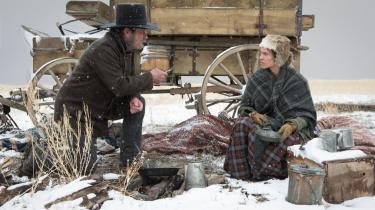 Filmens sitrende livsnerve tilhører Hilary Swank, der forsvarer sin lidt svære figur, en stolt og stædig præriekvinde, med styrke og værdighed. Foto: Scanbox