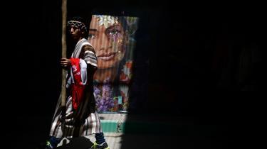 Mens peruvianerne døjer med varmen, har optimismen præget COP20-mødet i Peru indtil nu, men spørgsmålet om juridisk bindende CO2-reduktionsmål deler stadig deltagerlandene.