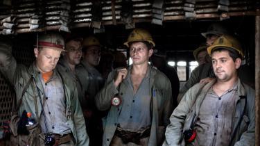 Kan de fossile selskabers energireserver ikke produceres, sælges og brændes og derigennem omsættes til penge, kan det blive risikabelt at eje aktier i selskaberne.