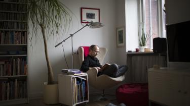 Jens Holste vil gerne have børn, men tror ikke længere på, at det kommer til at ske. I stedet har han besluttet sig for en andengradsadoption. 'Jeg adopterer ikke mine egne børn, men vil være der for andre børn, som har brug for det,' siger han.