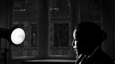 Den somaliskfødte forfatter, Ayaan Hirsi Ali er en af de forfattere, der offentligt har ytret sig om massakren i Paris. Hun mener, at den eneste måde, fredselskende muslimer kan befri sig for terroren på, er ved at reformere islam, så religionen ikke længere kan levere retfærdiggørelser af drap på blasfemikere.