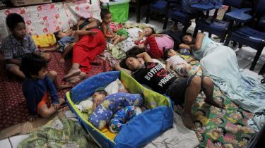 Klimakatastrofer som de storme, der gentagne gange har tvunget indbyggere fra Filippinerne på flugt, og den voksende økonomiske ulighed udgør en ond cirkel. Som det er nu, har de 80 rigeste enkeltpersoner i verden samme velstand som den fattigste halvdel af verdens befolkning.