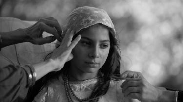 'Sange fra en sigøjner – Papusza' er baseret på den autentiske historie om den første kvindelige roma-digter Bronisława Wajs alias Papusza.