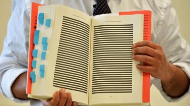 Efter et fire år langt mareridt besluttede en mauretanier i 2005 at betro sin dagbog de sindsoprivende oplevelser, han havde været udsat for i Guantánamo-lejren. I går blev hans bog udgivet under international bevågenhed
