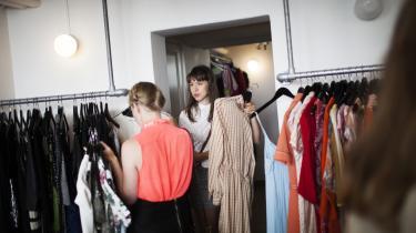 Resecond er en klimabevist butik, hvor man kan bytte kjoler. Firmaet har afdelinger i både Aarhus og Kønbehavn. Men deleøkonomien rummer også store udfordringer internationalt.