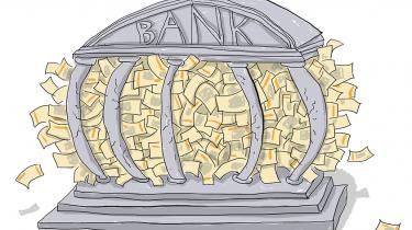 Det øjeblikkelige pres mod den danske krone kan ifølge økonomer ikke sammenlignes med presset på den schweiziske franc, og derfor vil den danske nationalbank heller ikke følge sine kolleger i Schweiz og lade kronen flyde frit på valutamarkederne