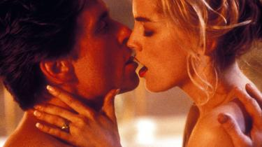 Den erotiske thriller 'Basic Instinct' ('Iskoldt begær') blev en kassesucces, men allerede inden sin premiere blev den stærkt debatteret på grund af sine udpenslede sexscener.