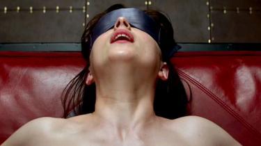 Dakota Johnson i rollen som Anastasia Steel i filmatiseringen af Fifty Shades of Grey