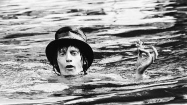I 1967 sprang Steppeulvenes legendariske forsanger Eik Skaløe i Christianhavns kanal. Det skete i forbindelse med udgivelsen af bandets eneste – men skelsættende – album, HIP.