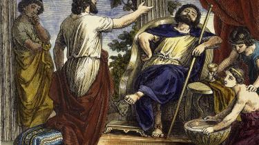 Platon ved tyrannen Dionysios 2.'s hof, hvor ingen sov alene, og lagengymnastik var den eneste form for træning. Illustration: akg-images/Scanpix