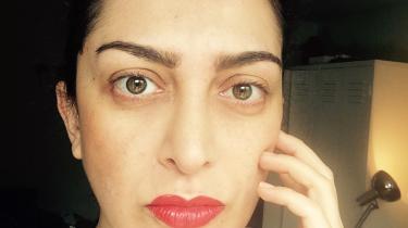Nazila Kivi. Født i Iran. Kom til Danmark som 10-årig. Redaktør på magasinet Friktion. Aktivist. Medforfatter til 'Kvinde kend din krop', 2013. Har tidligere studeret medicin og arbejdet med seksualoplysning og reproduktive rettigheder for minoritetskvinder.
