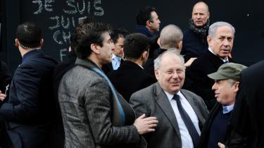 Invitation. Benjamin Netanyahu ved mindehøjtideligheden foran det jødiske supermarked i Paris i januar. Det var her, han inviterede Frankrigs jøder til at flytte til Israel.