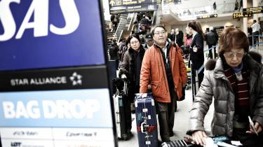 De rejsende i Københavns Lufthavn har været hårdt ramt af strejker i både SAS og Norwegian i denne uge. Og hvis fagbevægelsen skal have en chance i forhandlingerne med de internationale flykoncerner, må de samarbejde på tværs af grænser, mener Jørgen Stamhus, lektor og arbejdsmarkedsforsker ved Aalborg Universitet
