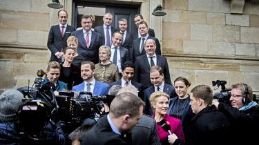 Statsminister Helle Thorning-Schmidt og resten af ministerholdet skal – som noget nyt – til at fortælle hele sandheden, når en sag fremlægges for Folketinget.