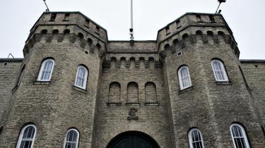 Patientjournalsystemet i danske fængsler er dybt forældet, og det skaber problemer for lægebehandlingen af de indsatte. Det indrømmer Kriminalforsorgen nu.