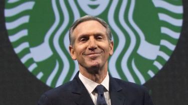 'Hvis en kunde spørger, så prøv at få gang i en diskussion med vedkommende,' siger Starbucks' grundlægger og administrerende direktør, Howard Schultz, om selskabets nye kontroversielle '#RaceTogether'-kampagne.
